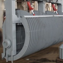 Trash cleaning machines and mechanisms